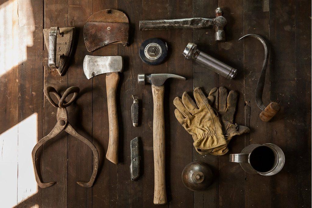 Pracovné nástroje na prácu s drevom